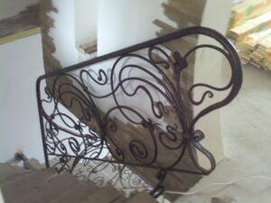 Ковані сходи, ручна робота в рослиному орнаменті